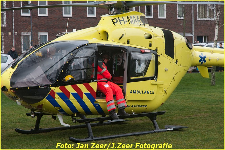 2014-02-01 Inzet traumahelikopter Wateringse-veld 014-BorderMaker