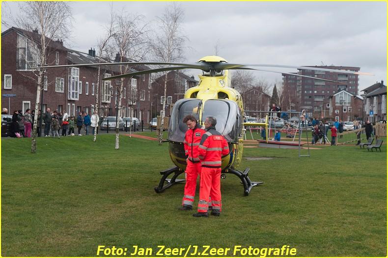 2014-02-01 Inzet traumahelikopter Wateringse-veld 017-BorderMaker