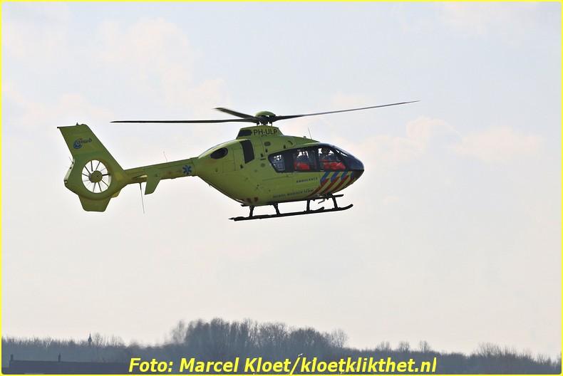 lifeliner bij ongeval zandkreekweg Wolphaartsdijk 5-3-2014 012-BorderMaker