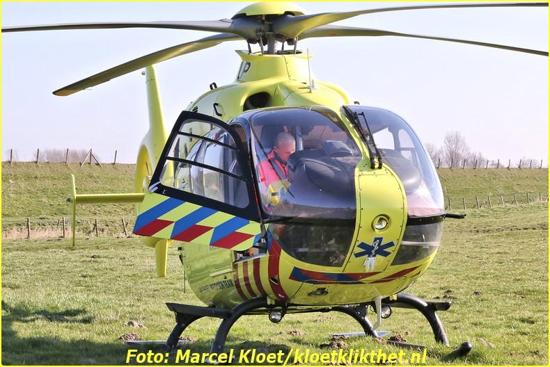lifeliner bij ongeval zandkreekweg Wolphaartsdijk 5-3-2014 031-BorderMaker
