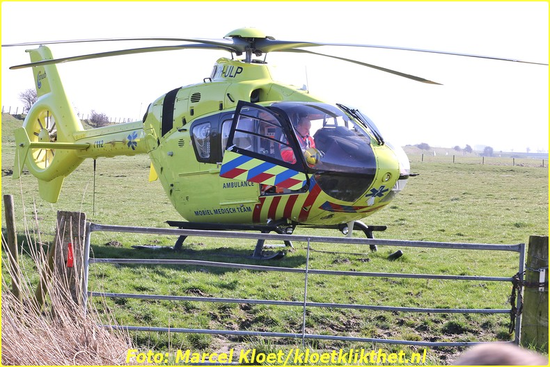lifeliner bij ongeval zandkreekweg Wolphaartsdijk 5-3-2014 037-BorderMaker