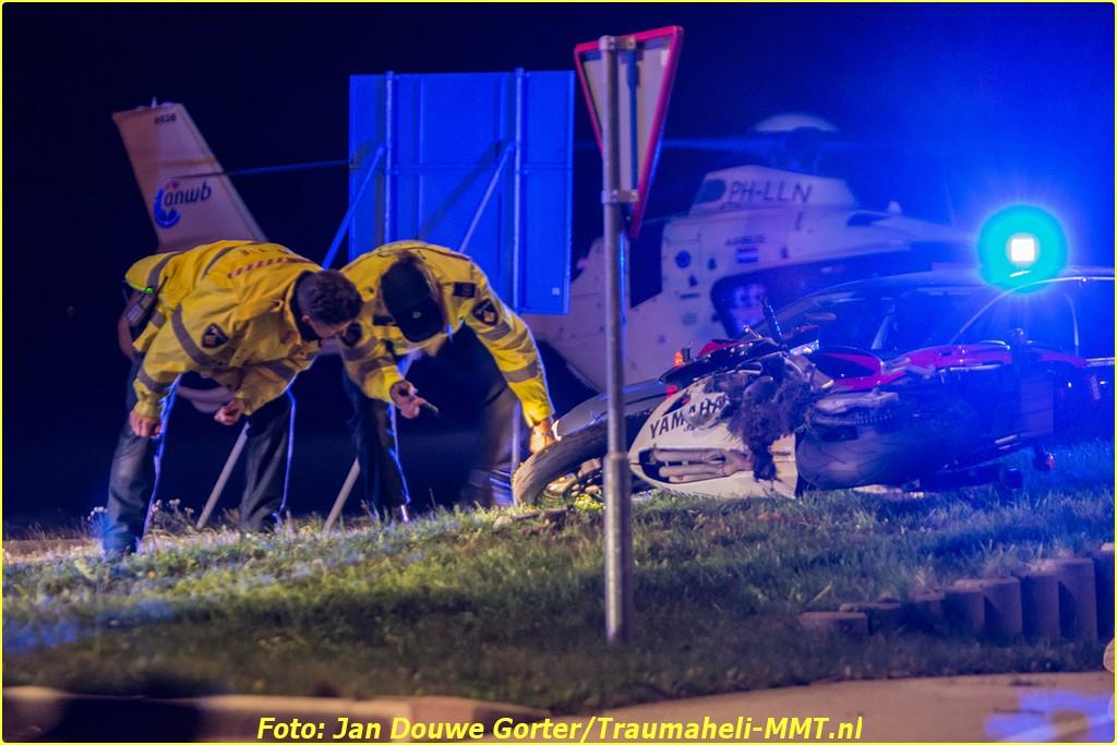 2020-11-20 Ongeval Motoer lemmerweg Afslag Ijlst 9-BorderMaker